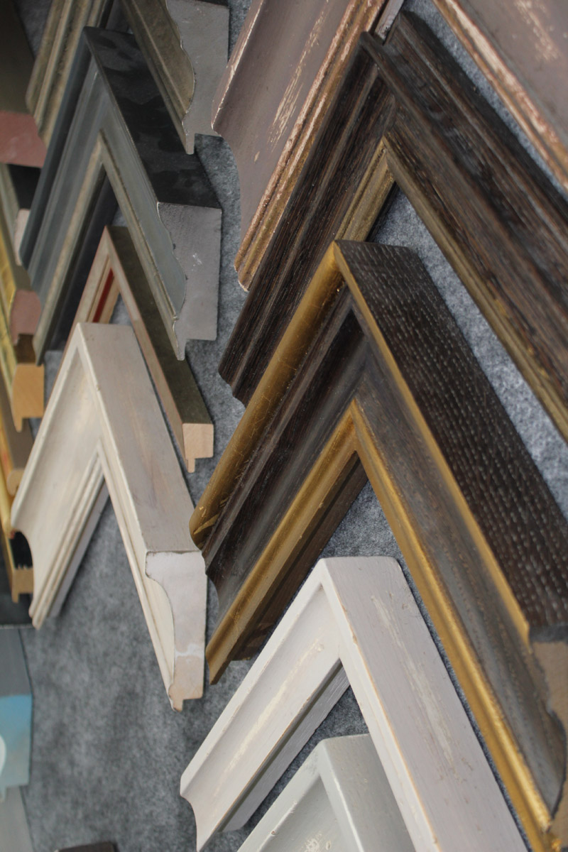 Pictureframes of shaftesbury - showroom