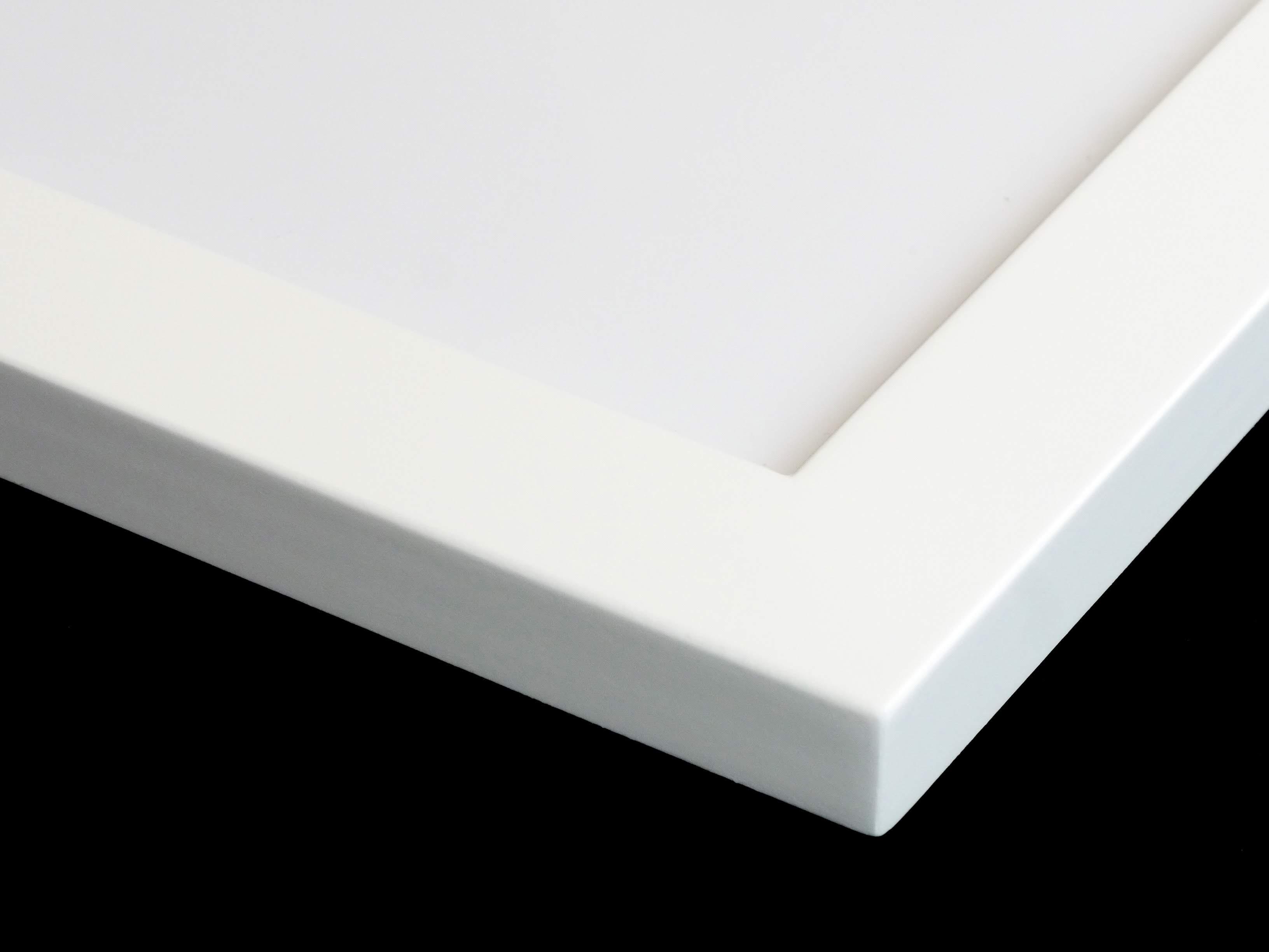 flawless white frame corner